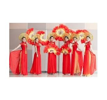 Thuê trang phục biểu diễn Hà Nội